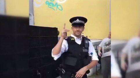 Un policía bailón en Notting Hill