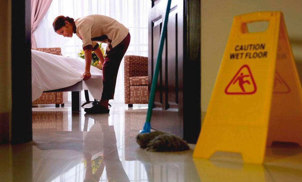 Foto: Las camareras de pisos cobran hasta un 40% menos cuando trabajan para una empresa multiservicios.