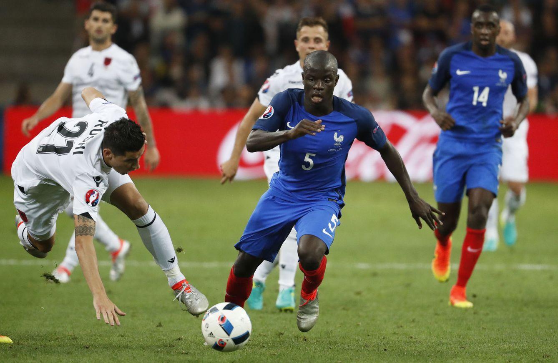 Foto: Kanté, en el partido de Francia contra Albania (Reuters).