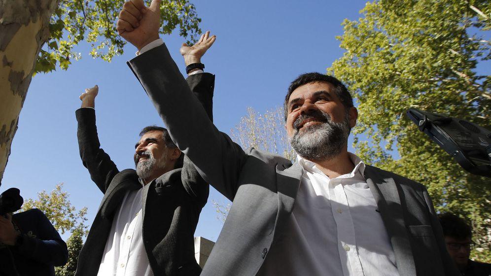 Foto: A la derecha, el presidente de la ANC, Jordi Sànchez. (EFE)