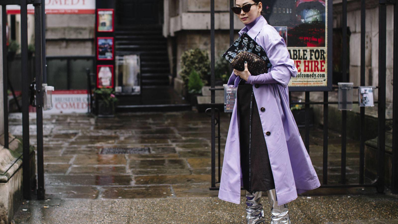 Foto: El lila reina en las calles más estilosas del mundo. (Imaxtree)