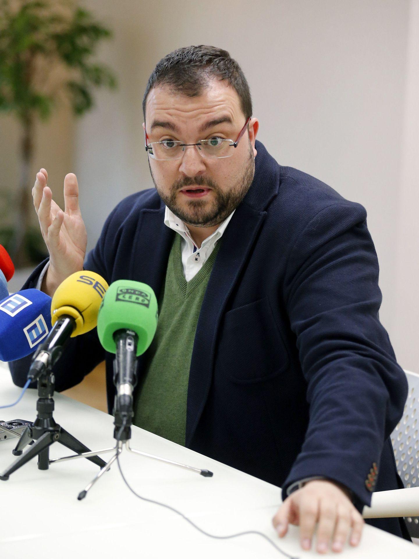 El sanchista Adrián Barbón, alcalde de Laviana, el pasado 9 de febrero en Oviedo. (EFE)