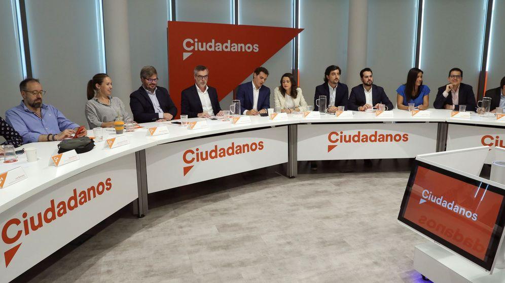 Foto: Reunión de la ejecutiva nacional de Ciudadanos este lunes en la sede. (EFE)