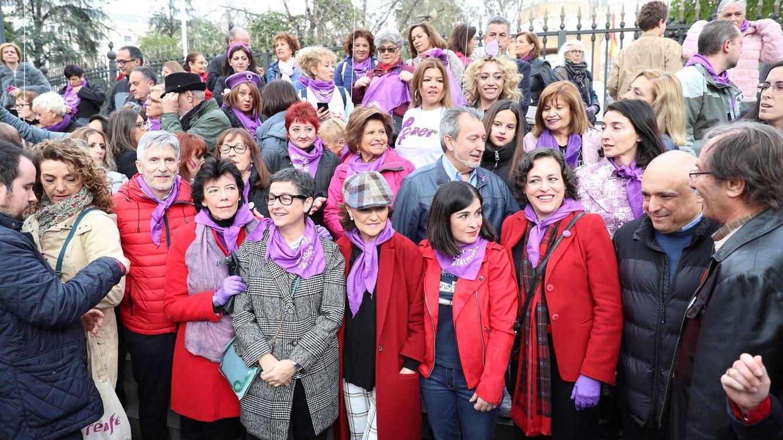 El argumentario feminista del PSOE rebela al colectivo trans y reabre fisuras con Podemos
