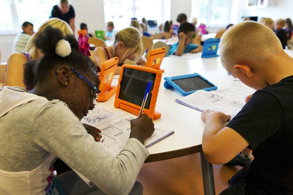 Foto: Estudiantes de la Escuela Steve Jobs durante una clase en Sneek, Países Bajos. (Reuters)