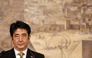 Japón rebaja sus previsiones de PIB y mantiene los estímulos