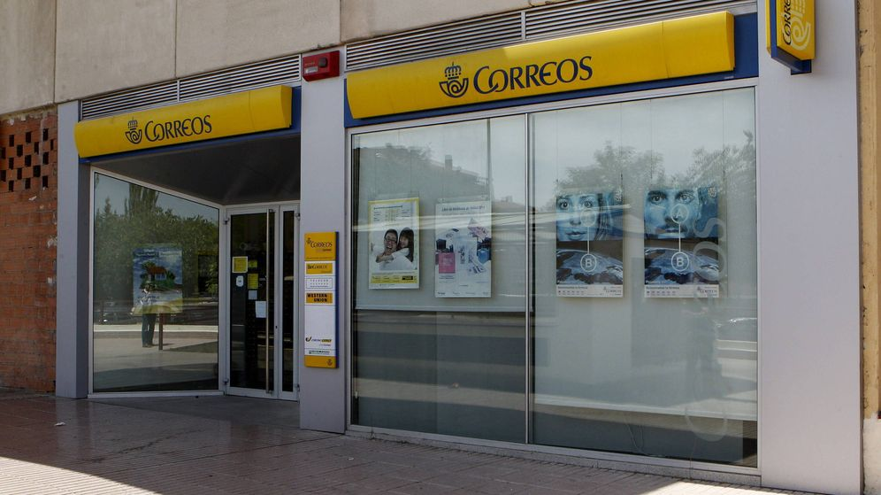Refer ndum catalu a correos ordena no entregar ning n for Oficina central correos madrid