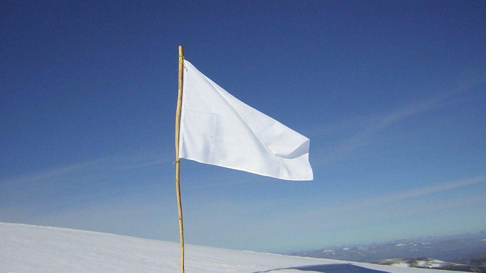 Ni esteladas, ni senyeras, ni rojigualdas: una bandera blanca para unirlos a todos