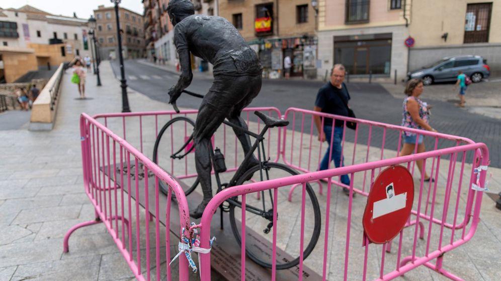 Foto: La estatua de Bahamontes en una imagen de hace dos semanas. (EFE)