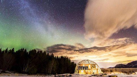 ¿Cómo vive una familia en el Círculo Polar Ártico en una casa con una cúpula geodésica solar?