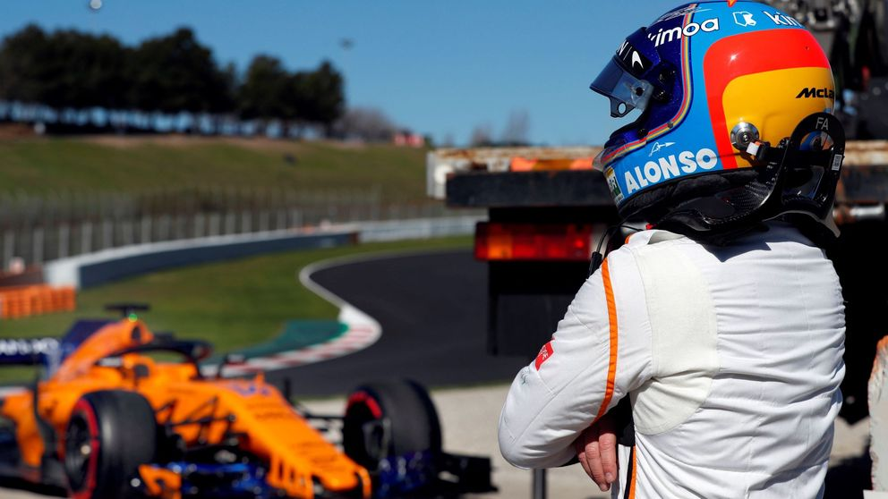 McLaren, tras 6 horas encerrado, pudo terminar en pista un día de dudas