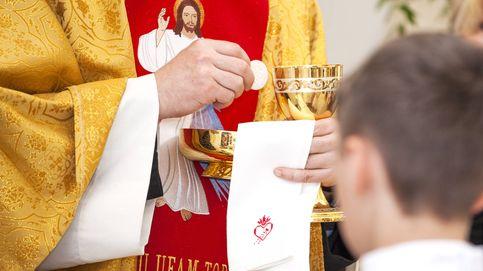 Las iglesias empiezan a vaciar las pilas y a limitar las comuniones por el coronavirus