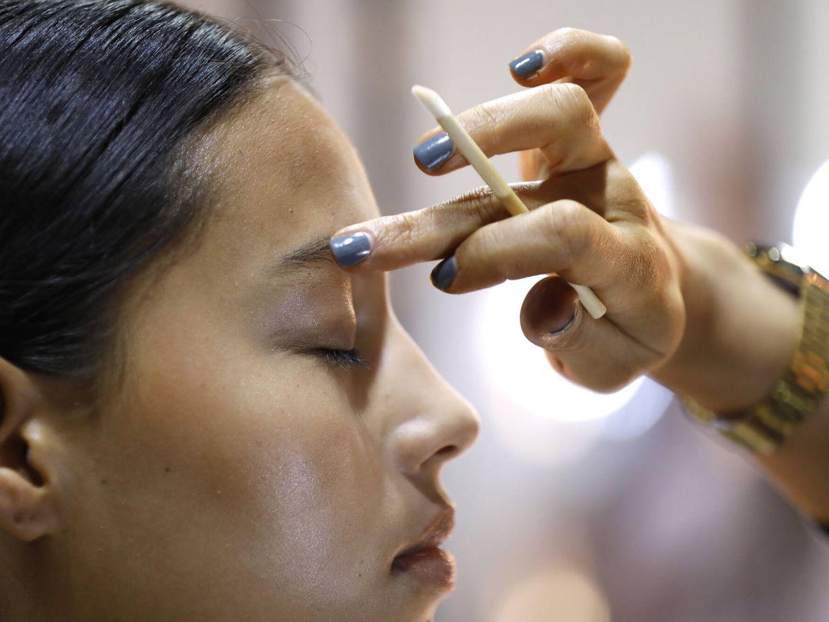 Foto: Los usos cosméticos de la vaselina van del tratamiento de las quemaduras al desmaquillante. (Getty)