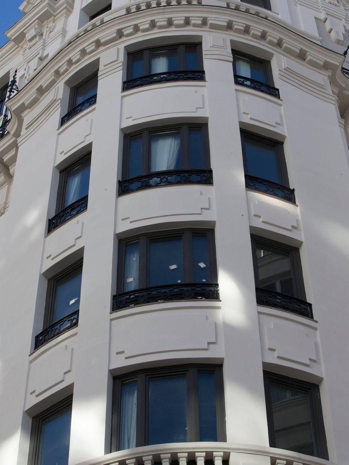 Otro ángulo de la fachada. (Foto: José Martín)