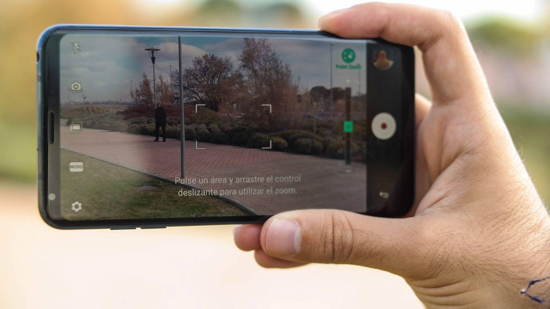 El V30, de LG, uno de los mejores móviles del año. (Michael Mcloughlin)