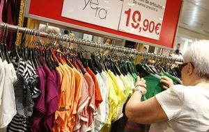 Los minoristas, abocados a las fusiones por la caída del consumo