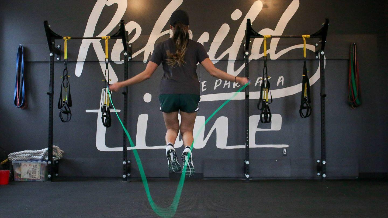 Saltar a la comba es un gran ejercicio para quemar calorías (Element5 Digital para Unsplash)