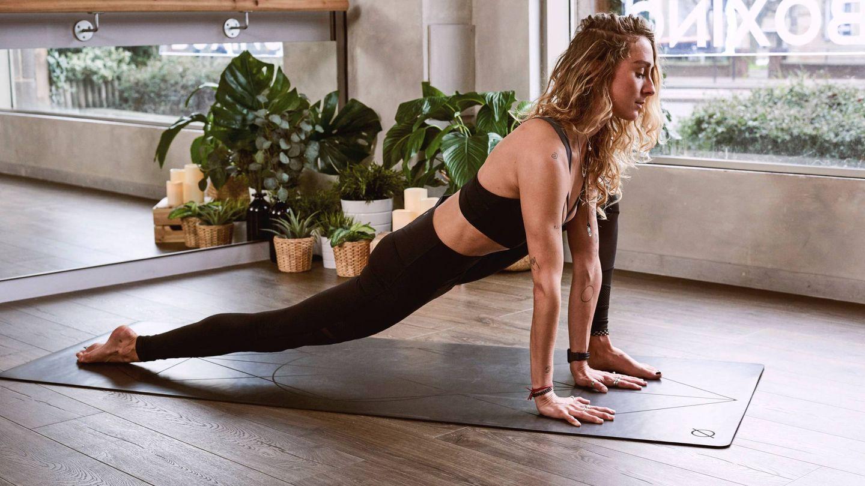 Yoga, como opción de entrenamiento. (Unsplash)