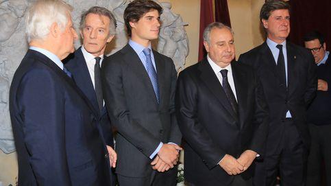 El homenaje a la duquesa de Alba certifica la división entre sus hijos
