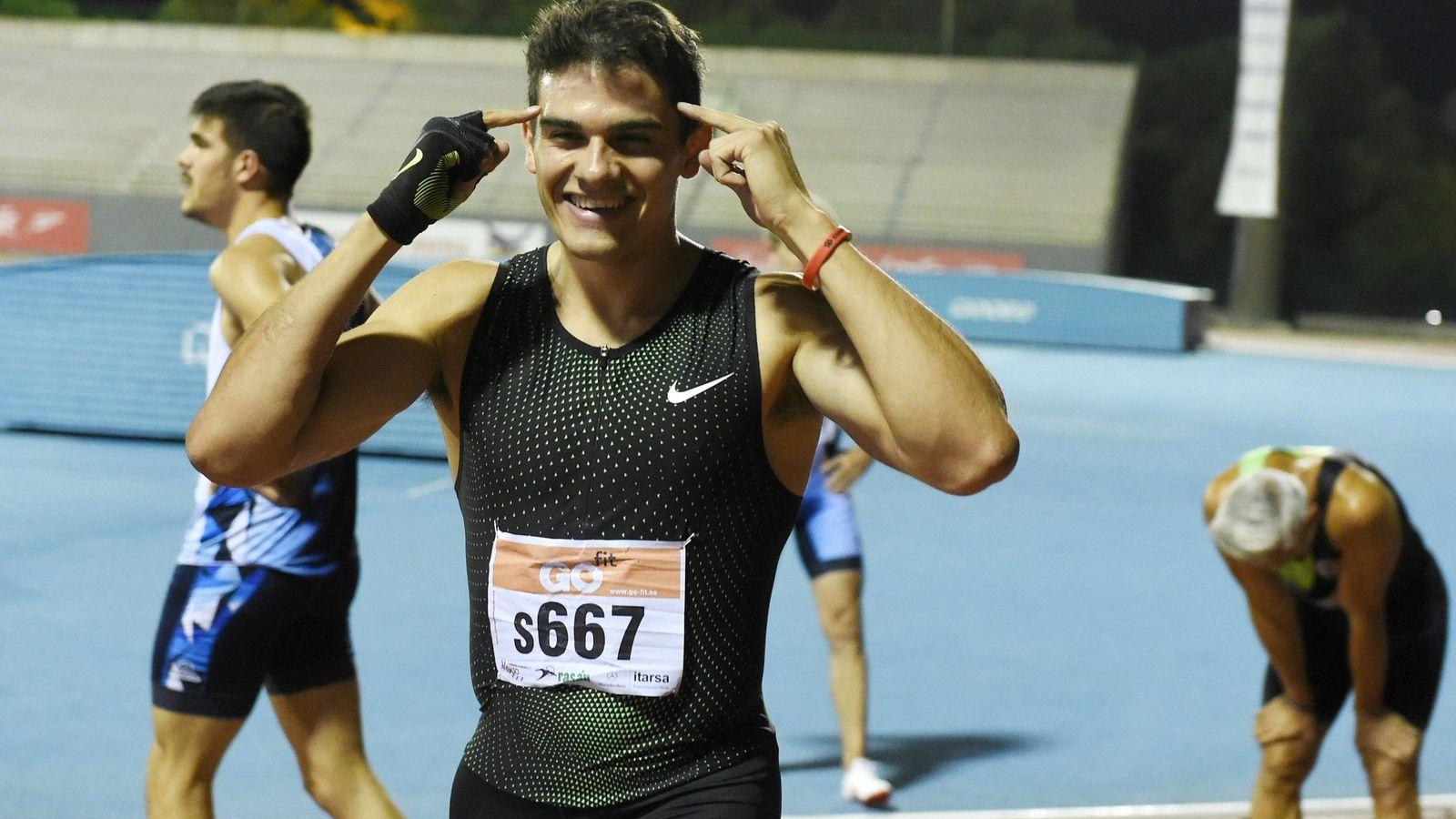 Foto: Bruno Hortelano, momentos después de correr el 200 este miércoles en Getafe. (EFE)