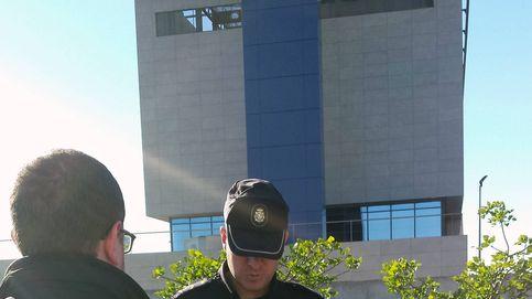 Estrellan por seguridad un dron que sobrevolaba la comisaría de Castellón
