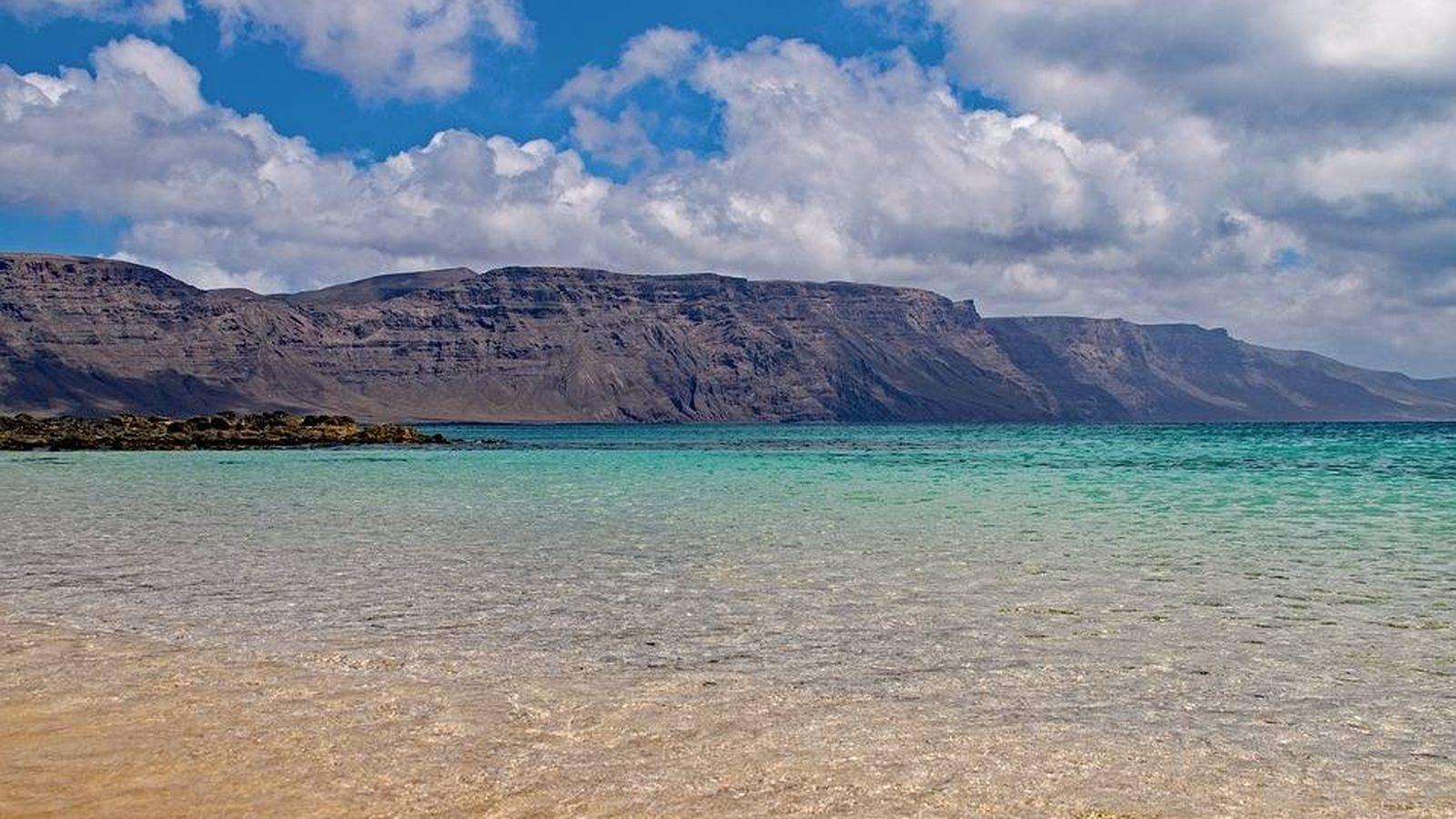 Foto: Panorámica de la playa francesca, situada en la isla de La Graciosa   Pixabay