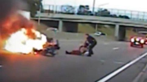 Un policía rescata a un hombre de su coche segundos antes de que explote