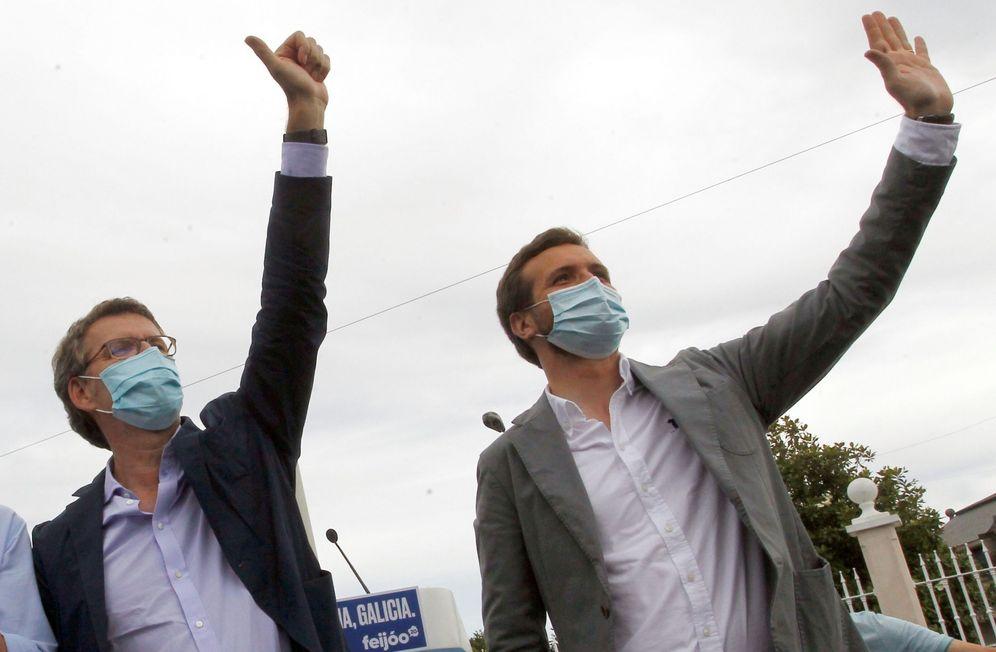 Foto: Casado ha multiplicado sus actos junto a Feijóo en la campaña, como el pasado sábado en A Coruña. (EFE)