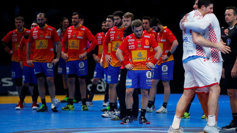 Foto: Los jugadores española después de partido contra Croacia (Jean-Paul Pelissier/Reuters)