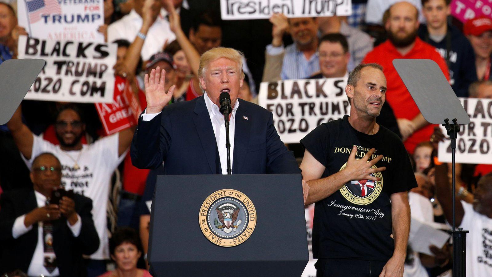 Foto: Donald Trump durante el acto con sus seguidores en Melbourne, Florida, el 18 de febrero de 2017 (Reuters)