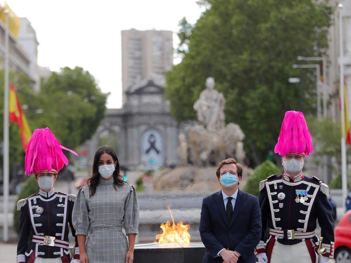 Foto: Inauguración del monumento a las víctimas del coronavirus. (EFE)