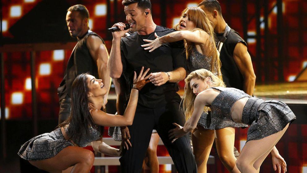 Ricky Martin se acostaría con una mujer si sintiera deseos. ¡Hay esperanza!