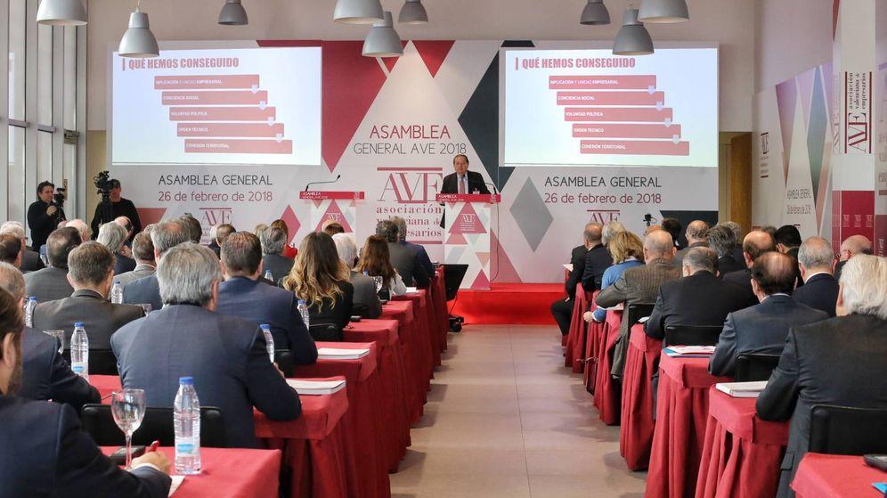 Foto: Los integrantes de la asamblea general de la Asociación Valenciana de Empresarios. (AVE)