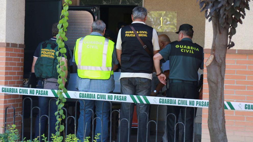 Un hombre de 75 años dispara a su vecino y hallan 19 armas en su casa de Córdoba