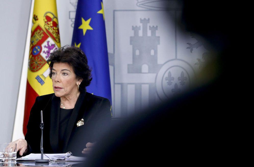 Foto: La ministra portavoz en funciones, Isabel Celaá, este 27 de diciembre en la Moncloa. (EFE)