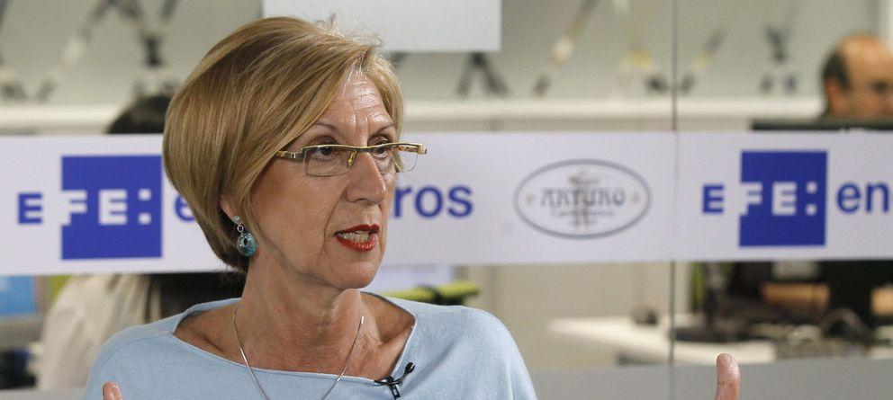 Foto: La líder de UPyD, Rosa Díez, durante una entrevista. (Efe)
