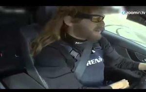 Vettel, como un loco al volante