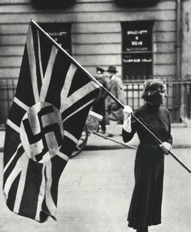 Foto: Una activista de un grupo fascista británico de los años 30.