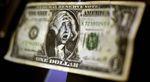 Y además del crudo... ¿El dólar?