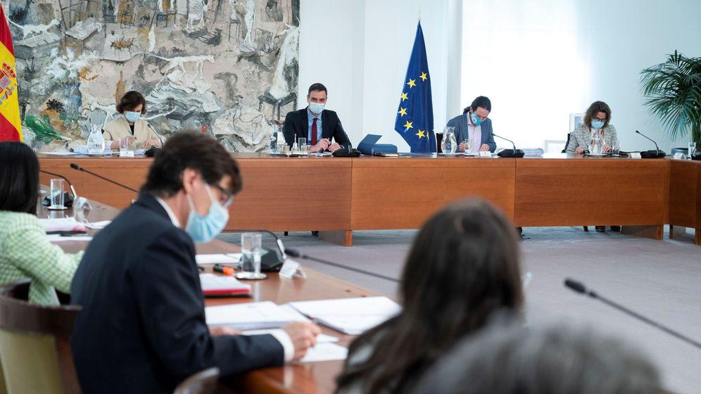 Foto: Imagen de uno de los 42 Consejos de Ministros que ha celebrado el Gobierno desde su constitución en enero. (EFE)