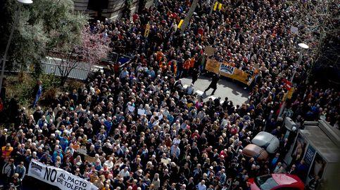 Rajoy fracasa al calmar a los pensionistas: miles de jubilados toman las calles