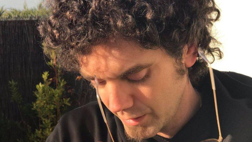 Pablo Ibáñez entierra al Hombre de Negro para su nuevo puesto de trabajo
