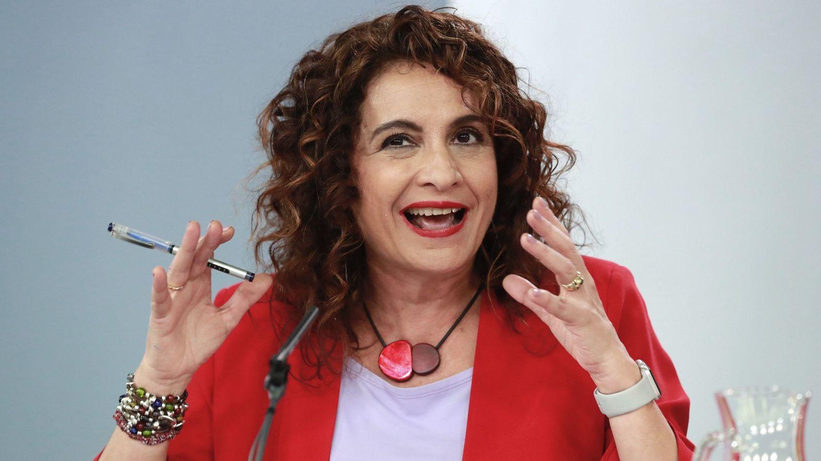 Foto: La ministra de Hacienda, María Jesús Montero. El proyecto de Ley de los Presupuestos apunta a que las sicav serán reguladas por este Ministerio. (EFE)