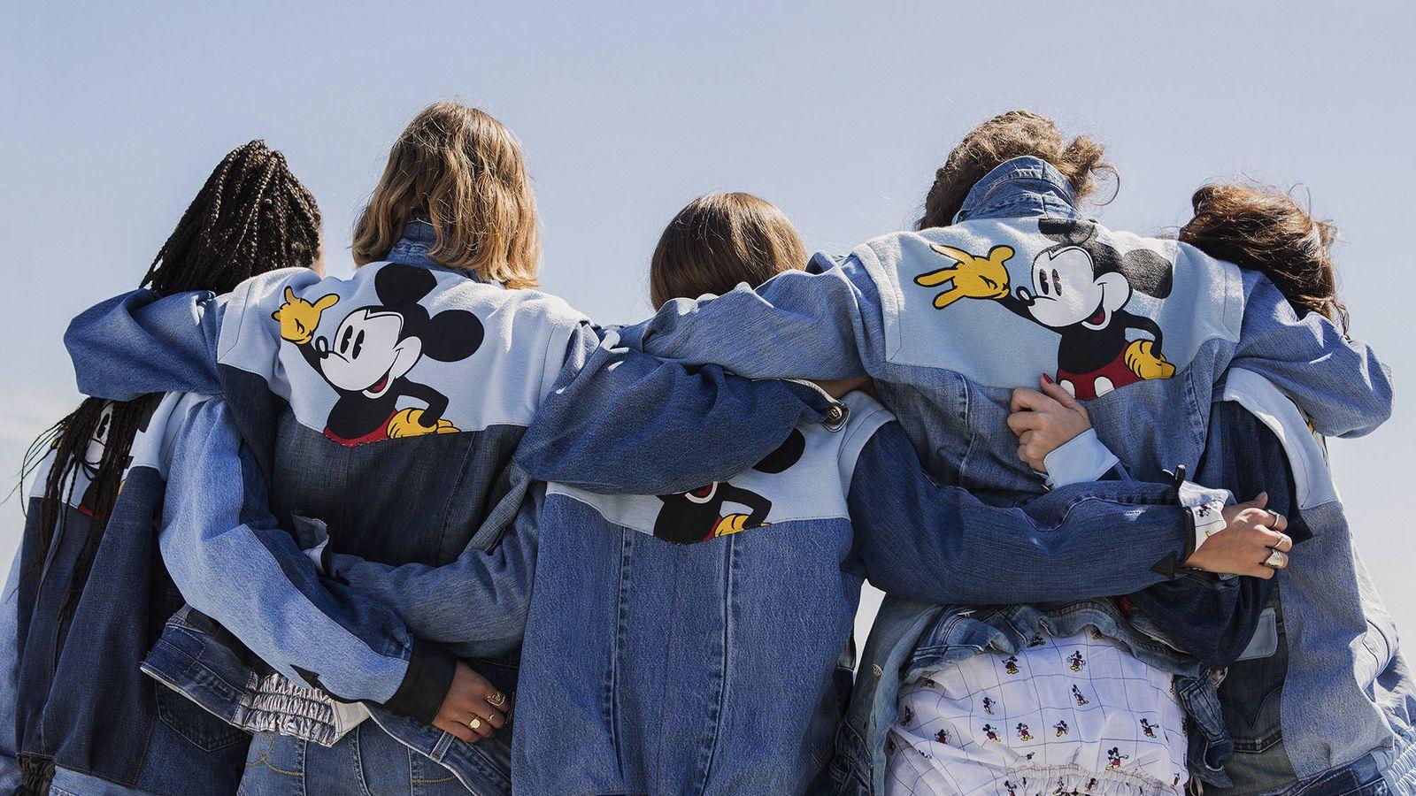Foto: Mickey Mouse es uno de los personajes estrella en algunas prendas de la firma Desigual. (Imagen: Cortesía)