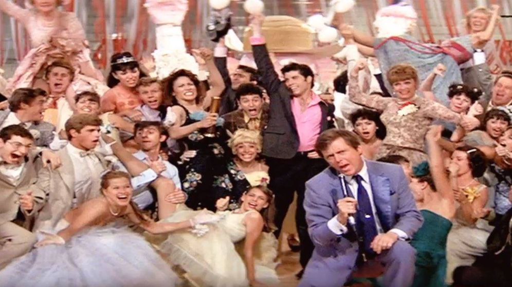 Foto: Edd Byrnes en una de las escenas de la famosa película junto a todas sus estrellas. Foto: YouTube