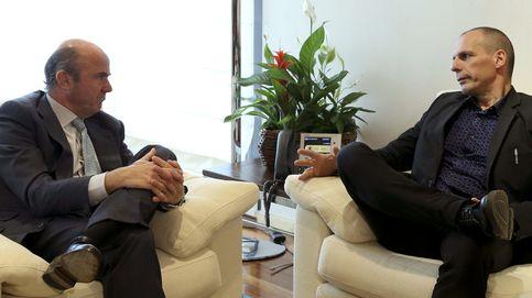 Varufakis busca sumar a España a su causa tras una reunión en armonía con Guindos