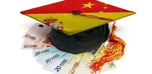 Post de A cambio de euros, títulos universitarios a tutiplén para chinos que no hablan español