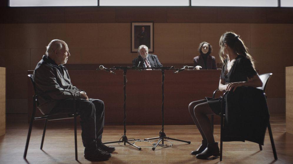 Foto: El error de guion en la historia de Ana Saura frente al juez en el final de 'Sé quién eres'.