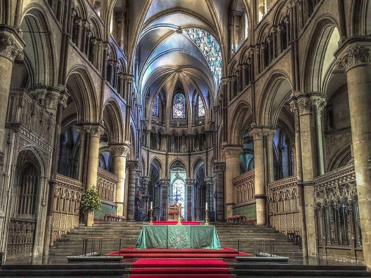 Foto: Interior de la catedral de Canterbury. (Pixabay)