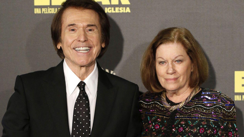 Raphael y su mujer, Natalia Figueroa. (EFE)